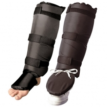Shin Guard Made of Light Rubber / PU / Artificial Leather